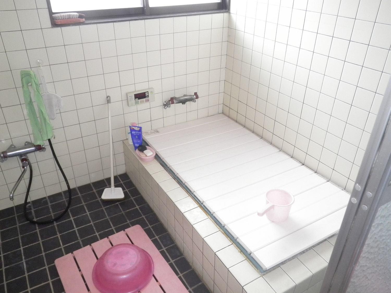 S邸浴室 前